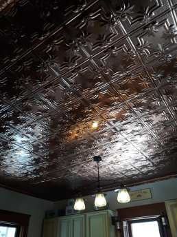Holly's ceiling